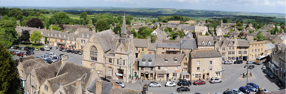The Cotswold Town of Stow-on-the Wold where Lindy's studio for portrait painting artists